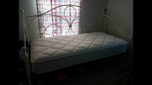 DAY BED AND MATTRESS