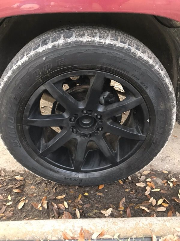 Kmc slide 20s 6 lug universal trade/sell (Auto Parts) in Houston, TX