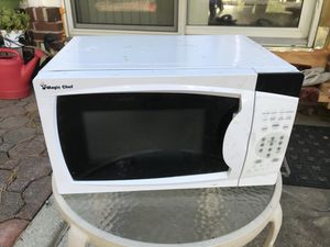 "Magic chef, 17"" microwave"
