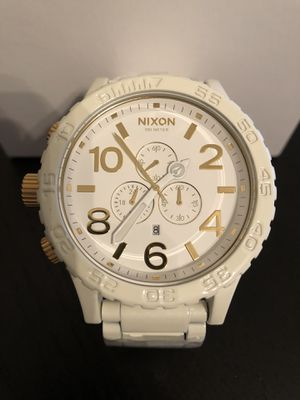 Nixon 51-30 White/Gold A083-1035 Watch