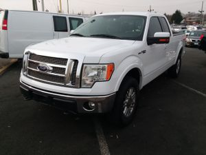 2010 FORD f150 lariat super cab 6.5 feet bed 4wd