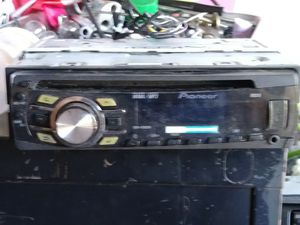 Pioneer radio CD player with axillary port and USB port $50