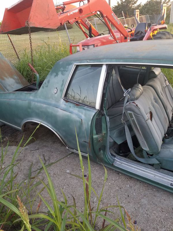 Parting out 78 & 79 Monte Carlo (Auto Parts) in Venus, TX