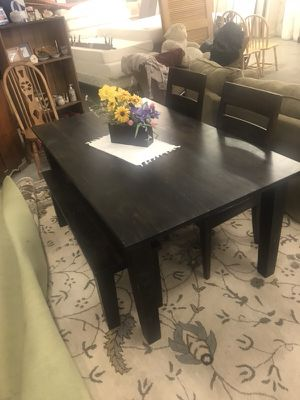 Crate and barrel table set