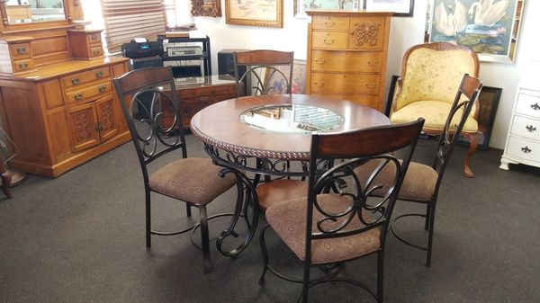 Dining Table Set With 4 Chairs 1 Chair Scratched Furniture In La Mesa CA