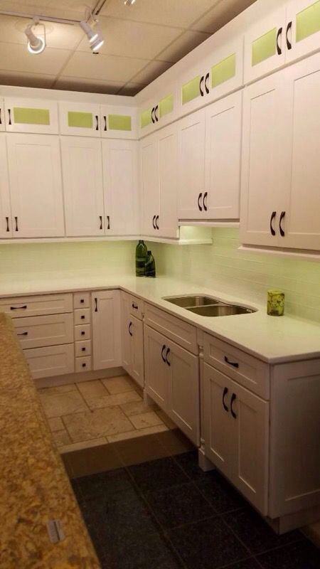 Kitchen cabinets solid wood high quality furniture in for Kitchen cabinets 60631