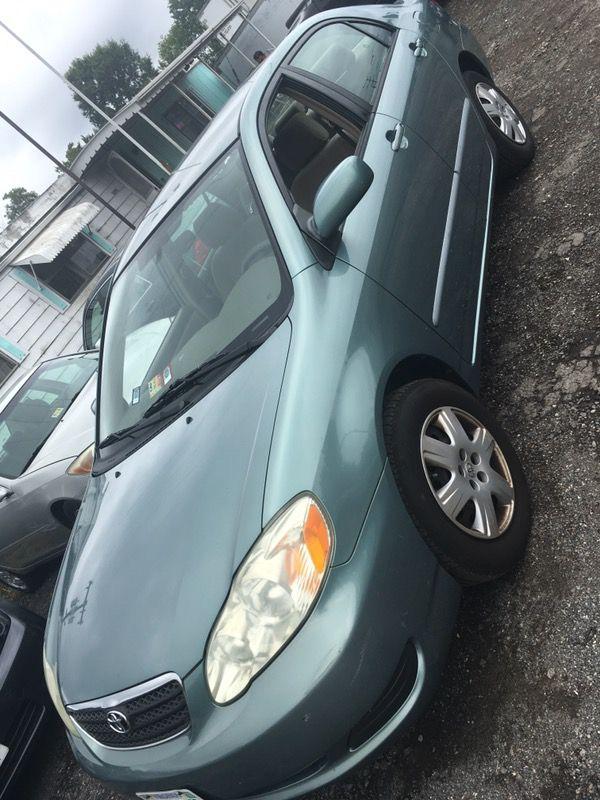 Título limpio de Virginia, Toyota Corolla LE año 2005 con 142,000 Millas todo en perfectas condiciones limpio adentro y afuera es automático