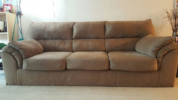 Sofa couch furniture in bellevue wa offerup for Sofa couch bellevue
