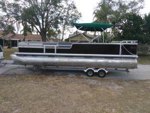 27 ft pontoon boat