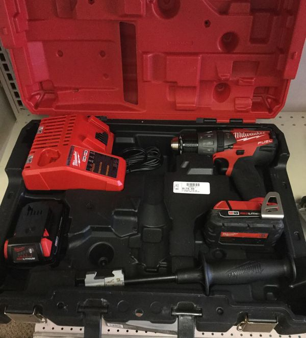 Milwaukee 18v 2704-20 Hammer Drill Set