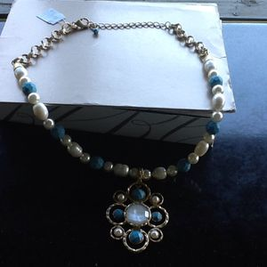 New with tags blue pearl necklace