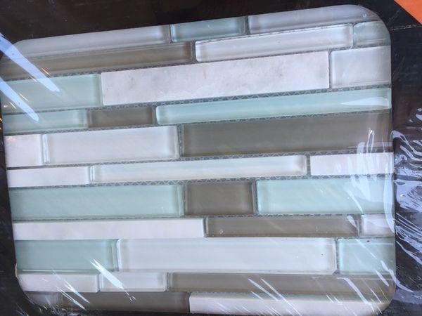 Arctic Mist Interlocking Glass Mesh Mounted Mosaic Tile