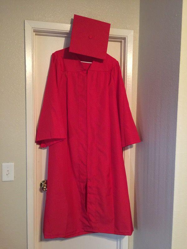 UNLV Cap & Gown (No Tassel) (Clothing & Shoes) in Las Vegas, NV ...