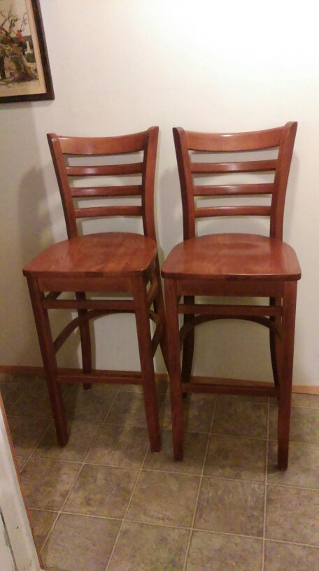 Cherry wood tall chairs furniture in seattle wa offerup for Furniture tukwila wa