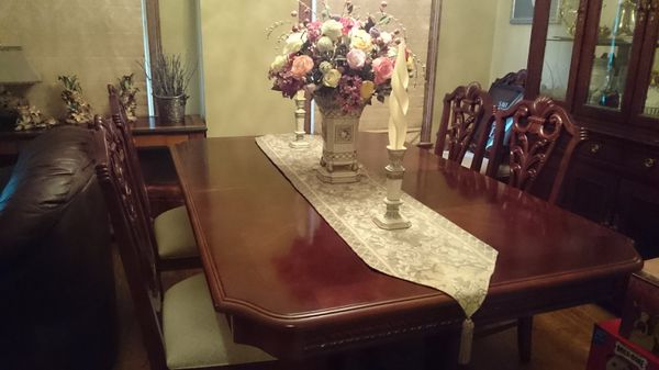 Mahogany Dining Room Table Chairs And Hutch Furniture In Harrison TN