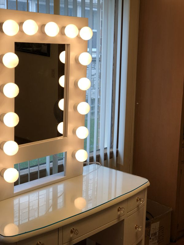 White Mirror Vanity With Lights General In Milwaukee Wi