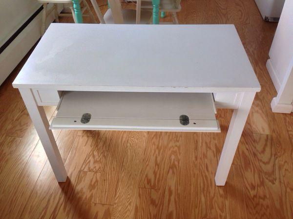 Desk White World Market Price Reduced Furniture In Seattle Wa Offerup