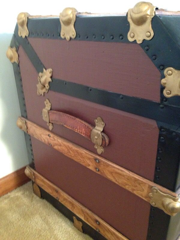 Circa 1895 M.M.Secoru0026#39;s Champion Wall Trunk (Furniture) in ...