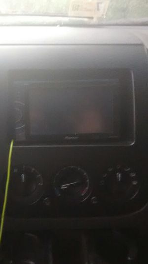 Pioneer touch screen double din tv/DVD player like new