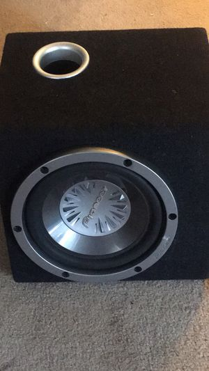 Pioneer 10 subwoofer with amp of 300 wats