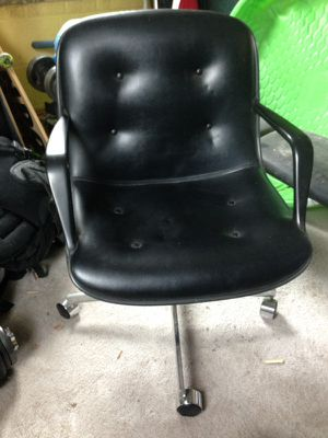 3 Steelcase office chairs