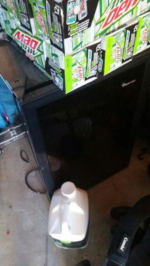 Magic Chef Cooler small refrigerator