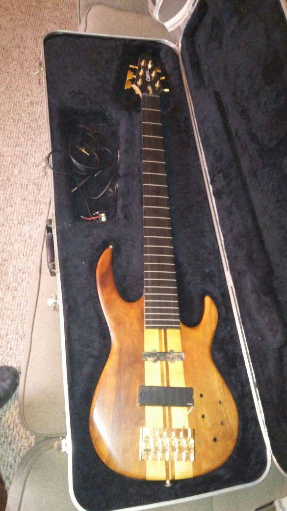 Carvin DC400 Koa Wood 6 String Fretless Bass Floyd Rose Gold HW Neck Thru DC