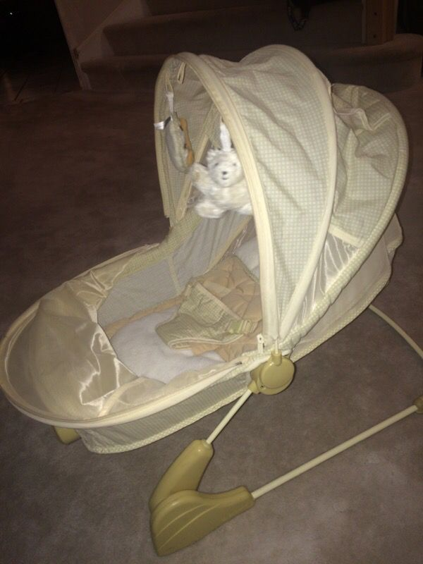 Eddie Bauer baby bassinet bouncer seat chair Baby Kids in