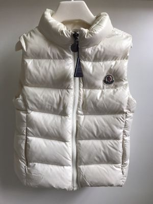 Moncler vest new size 4 toddler
