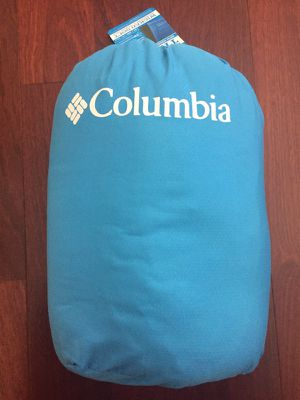 New Columbia indoor/outdoor throw