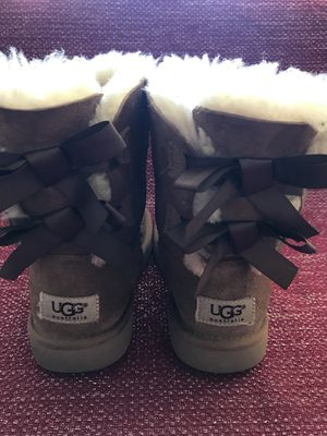 UGG Big Kids Bailey Bow Classic Boots Brown US kids Size 1