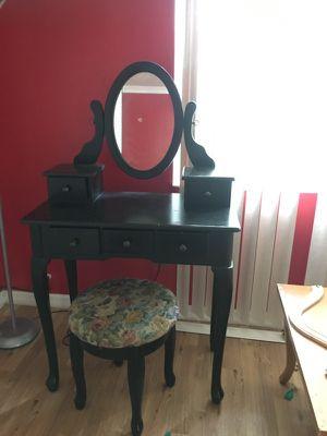 Mirror cosmetic dresser