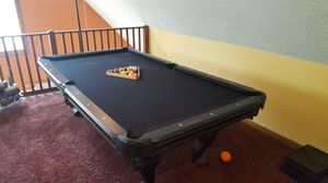 8' pool table. Very Nice
