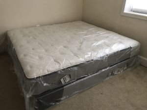 King mattress with box in new condition