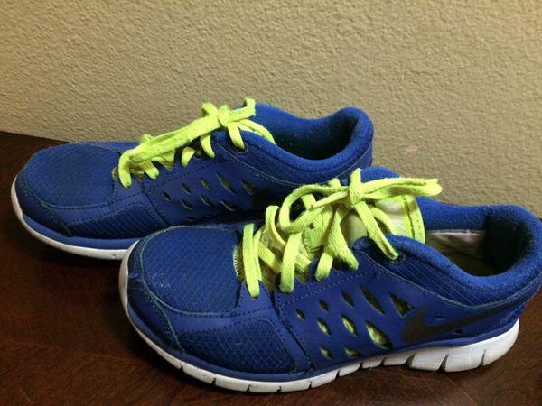 nike tennis shoes size 4