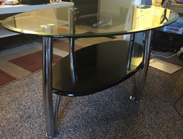 Coffee table with 2 side tables furniture in bremerton for Bedroom furniture 98383