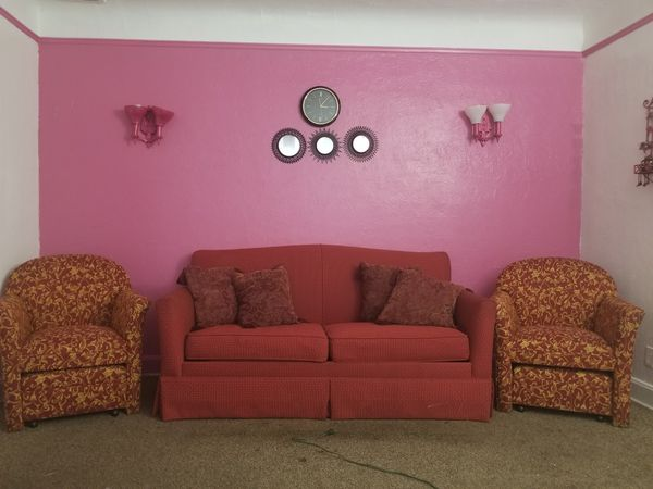 Great sofas and two small ones 190$ (Furniture) in Dearborn, MI