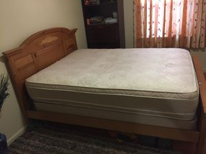 Full wooden bed and mattress discount