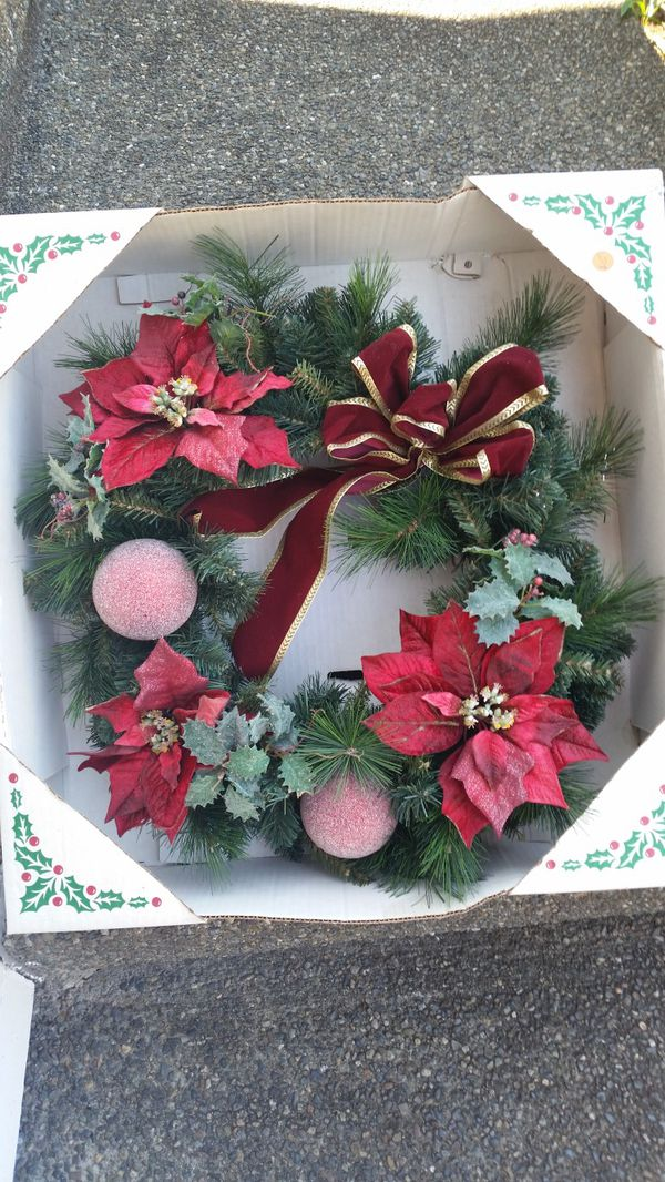 Christmas wreath and stand (Home & Garden) in Kirkland, WA - OfferUp