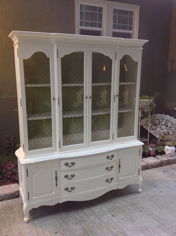 Vintage Bassett Bubble Glass China Cabinet (Furniture) in San Jose ...