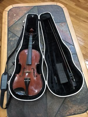 "14"" viola with bow and case. Copy of Antonia Stradivarius. Gently used"