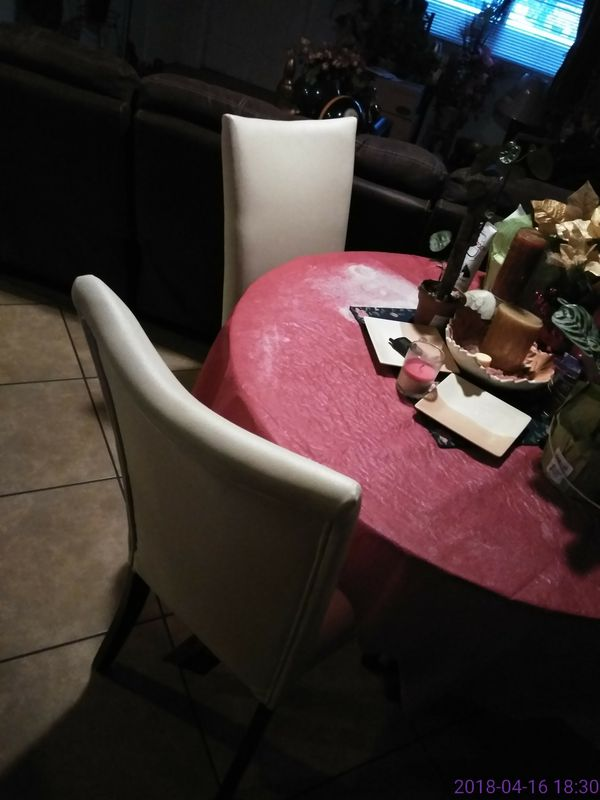 Dinning glass table and chairs (Furniture) in Phoenix, AZ