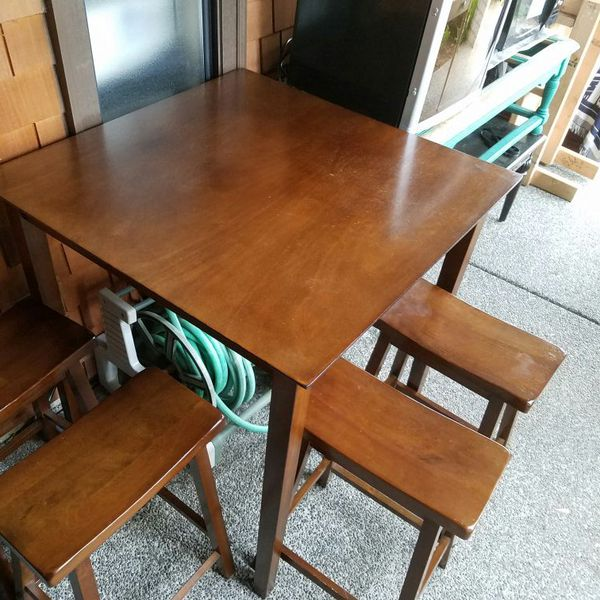 Table with 4 chairs furniture in everett wa offerup for Furniture in everett wa