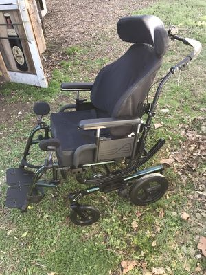 Handicap chair on wheels