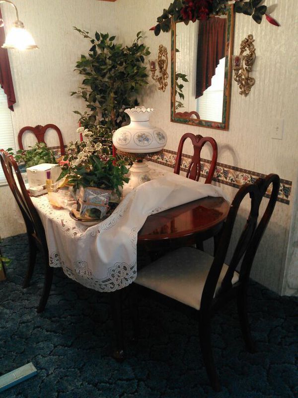Dining room set Furniture in Townville SC ferUp