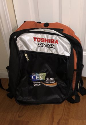 New! 2 in 1 Toshiba backpack + detachable daypack