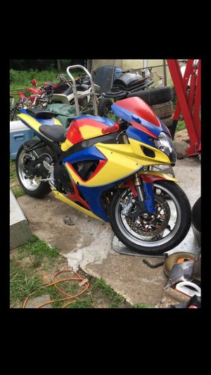 2006 Suzuki 750. 13k You can only put paper tags on it. NO TITLE. BILL OF SALE. LIGET $2500