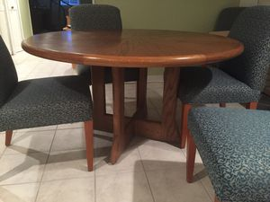 Solid Wood Dining Table With 6 Chairs Two Years Old Excellent Condition No Marks