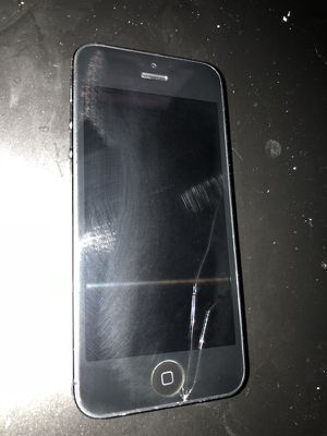 Apple iPhone 5 32GB Factory Unlocked for parts or fixing