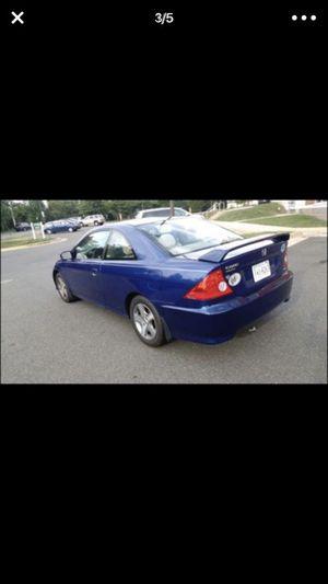 Honda civi 2004 en buenas condiciones 14100 millas